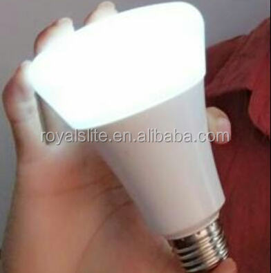 E27&B22 9w energy saving led bulb with built-in battery SMD2835 plastic rechargeable led emergency lighting bulb