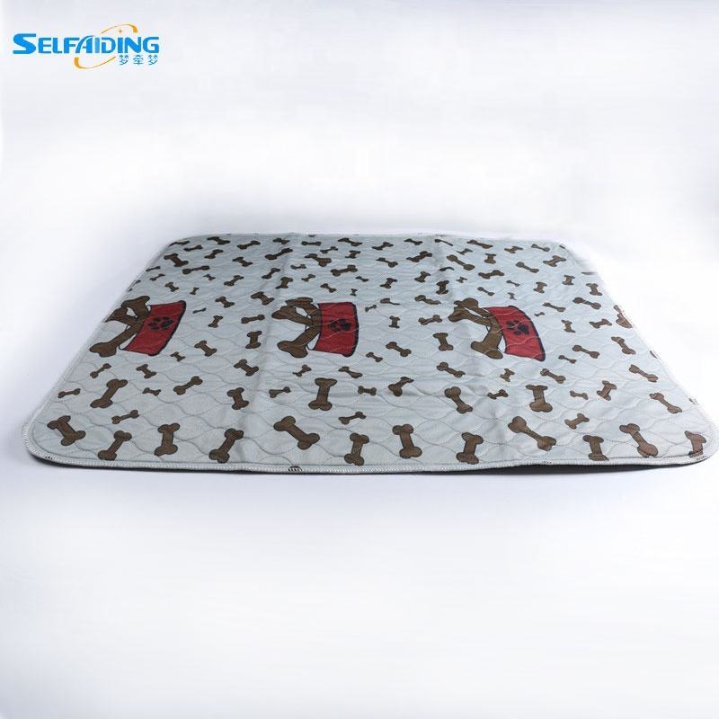 Wholesale Absorbent Pet Dog Travel Mat Cat Training Pads Holder Washable Puppy Incontinence Pee Pads