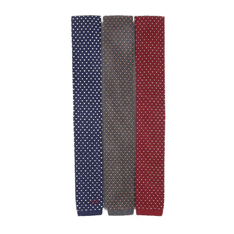 2019 Luxury Quality Vintage Polka Dot Flat Bottom Tie Silk Knitted Skinny Necktie