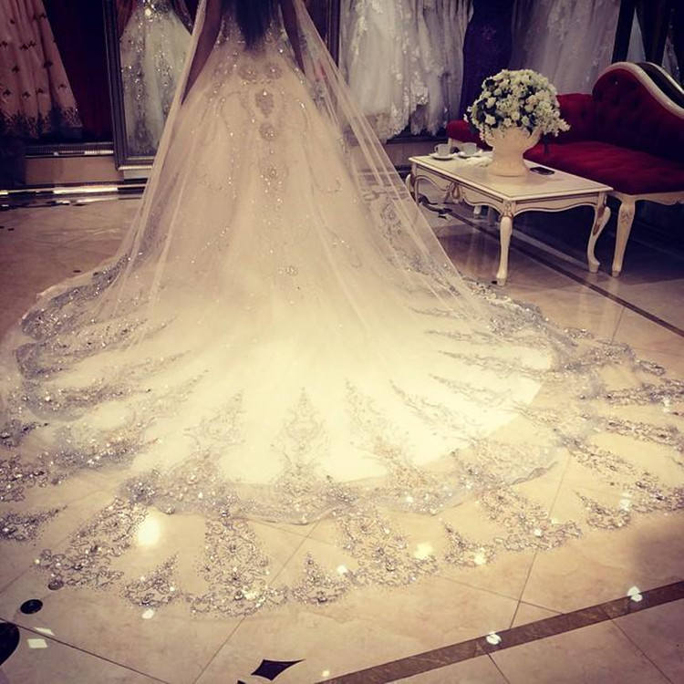 Hot Sales Long Wedding Veils Shiny Beads Lace Veil 3.5 Length 1.8 Wide