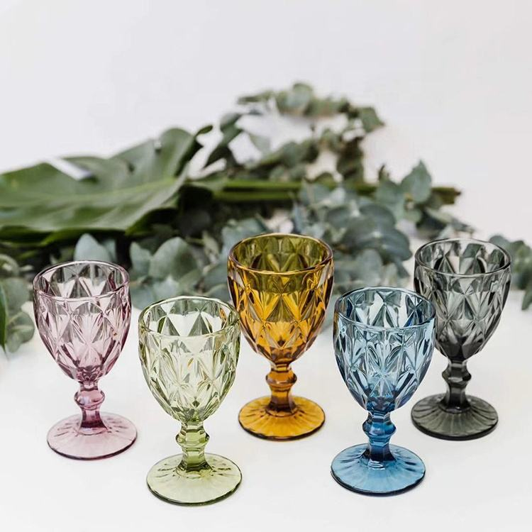 Decoration colored wine glass goblet/hand pressed wine glass