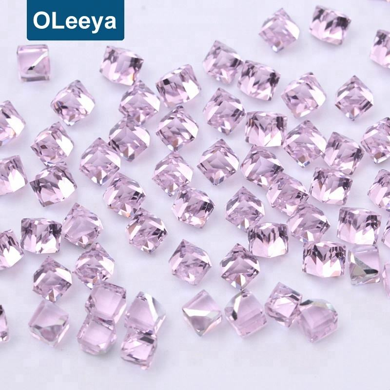 Selling Lt pink color 4mm square shape glass crystal cube Beads for jewelry making