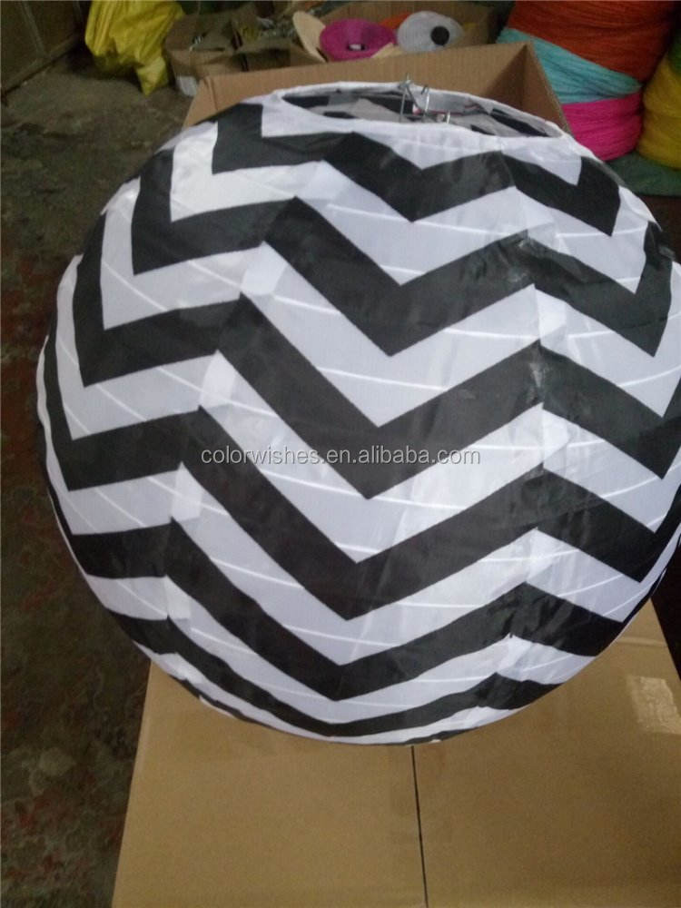 Waterproof18inch Rotondo Nero Chevron Stampato In Nylon/Lanterne di Seta Outdoor Hanging Decorazioni