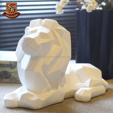 Resin Lion Sculpture Handmade African Wild Animal Predator Statue Ornament