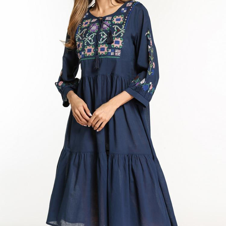 A3422 Women Middle East Embroidered Ethnic Style Vintage Elegant One Size Clothing Long Sleeve Maxi Dresses