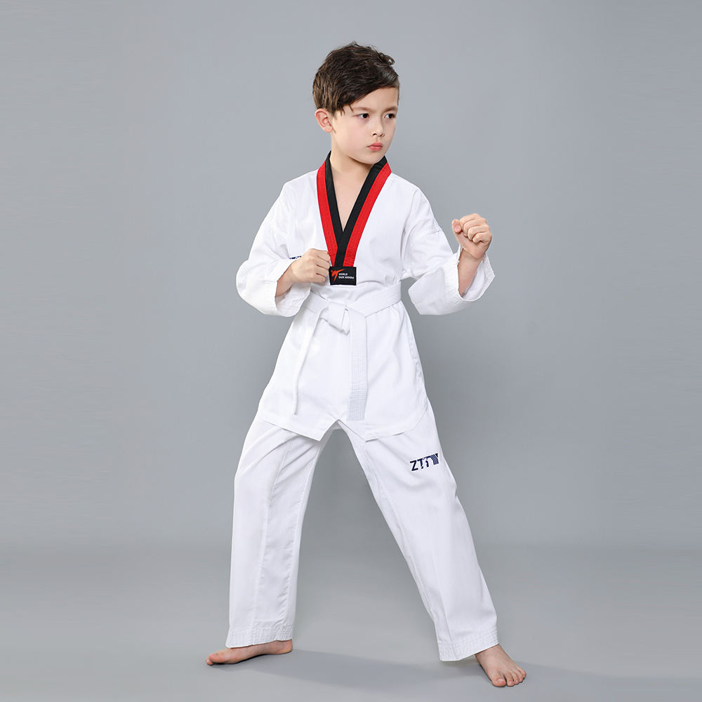 New100 % Katoen Internationale Wtf Training Taekwondo Uniform Suits/Taekwondo Custom Design Logo Borduren Stof Uniform Pak