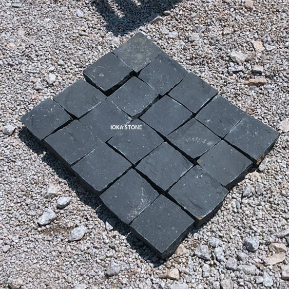 Outdoor natural split andesite cobble stone for garden or driveway paving cubes