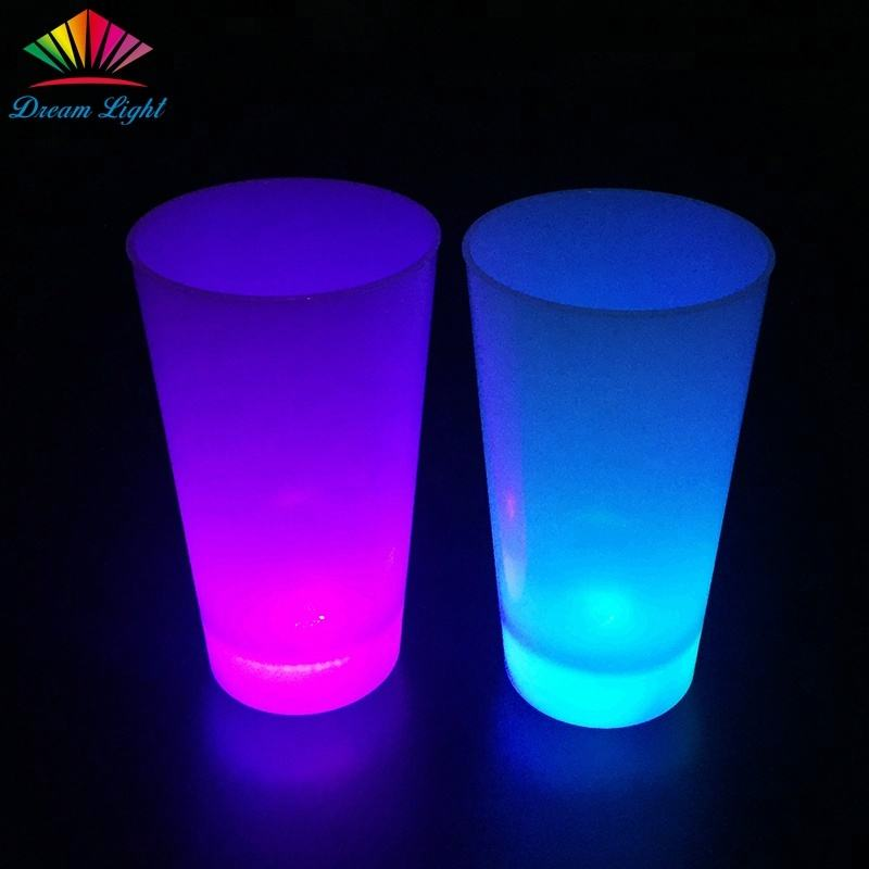 16 Oz Aneka Warna Glow In The Dark Plastik LED Glow Piala