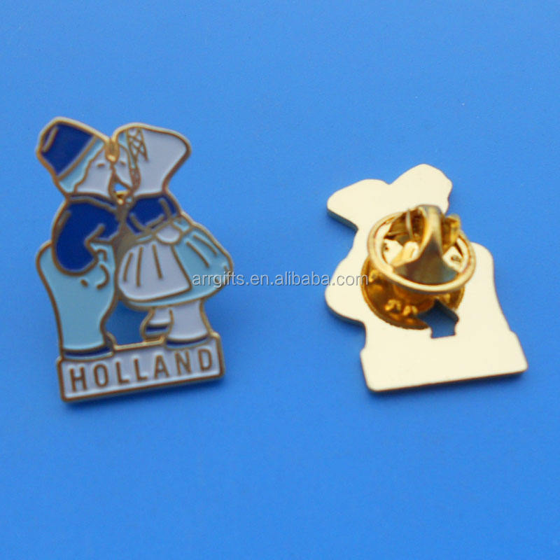 boy and girl couple kissing holland pin badge