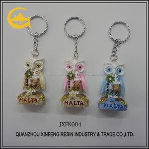 Artesanía resina de artículos de recuerdo lindo mini búho llavero con 3 colores