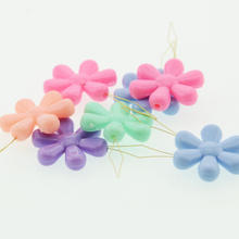 fancy colorful hand sewing flower shape plastic needle threader