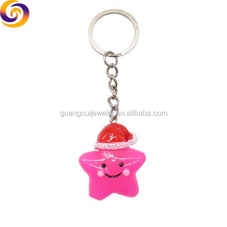 2019 Wholesale ODM OEM customizable figurine Christmas hat star shaped keychain