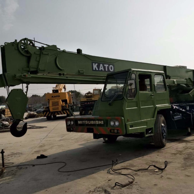 KATO NK250 25TON truck crane used 25t mobile crane for sale/used cranes for sale in dubai/japan used truck crane