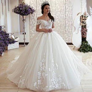 Ball Gown Wedding Dresses 2019 Princess Off the Shoulder Lace Applique Saudi Arabic Bridal Gowns With Lace up Back