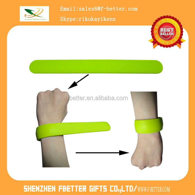 customized kids/ Adult color screen printing logo customized shape various silicone slap bracelet