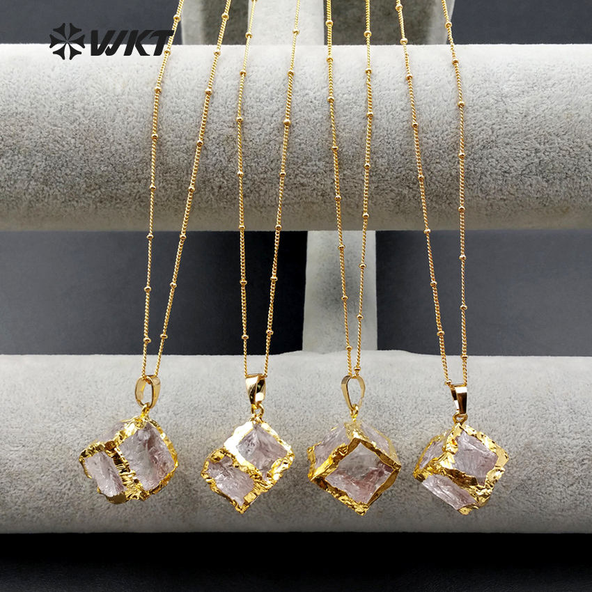 WT-N1031 Wholesale Natural Crystal Necklace With 24K Gold Electroplate In Square Shape Necklace Fashion Square Crystal Necklace