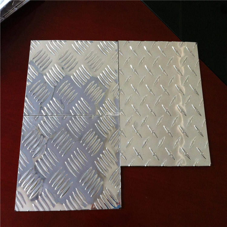 High anti-rust quality 4x8 anit-slip diamond ribbed embossed aluminum sheet/plate
