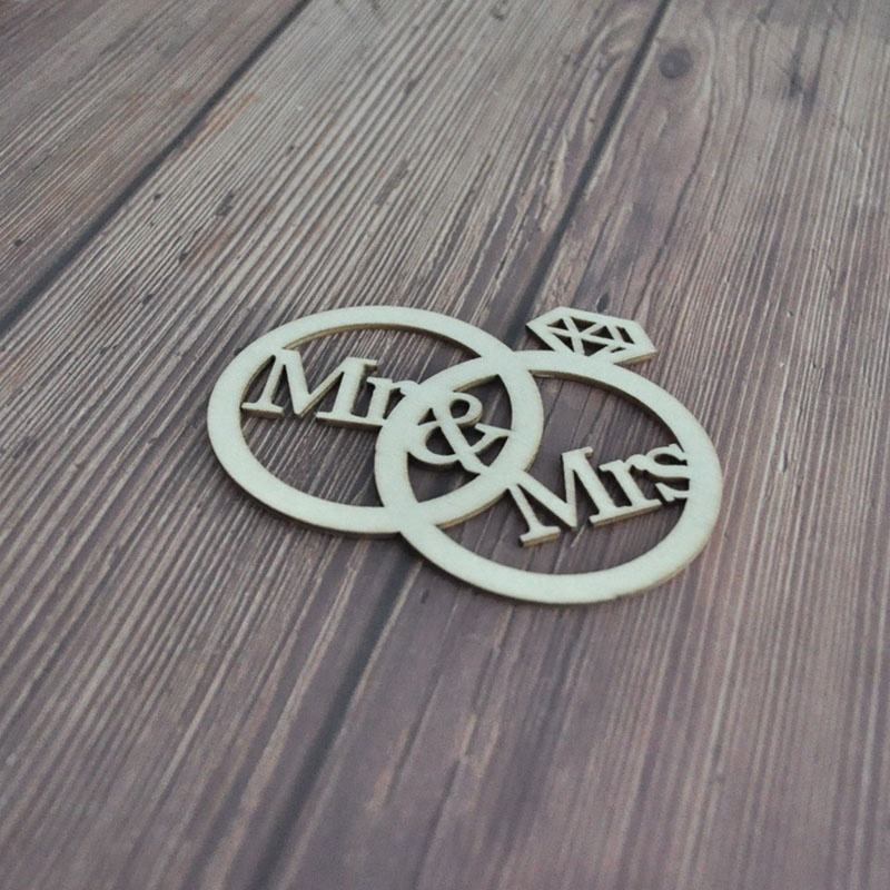 Wood shape rings with letter Mr and Mrs for decoration