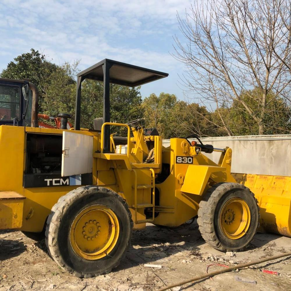 Used tcm loader 830 agricultural tractors wheel loader for sale in shanghai China