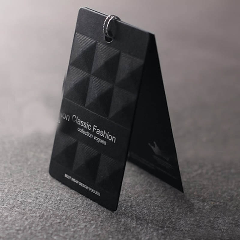 Customized logo print embossed hang tag set black paper matte hangtag/Embossed cardboard garment tag/swing hang tag