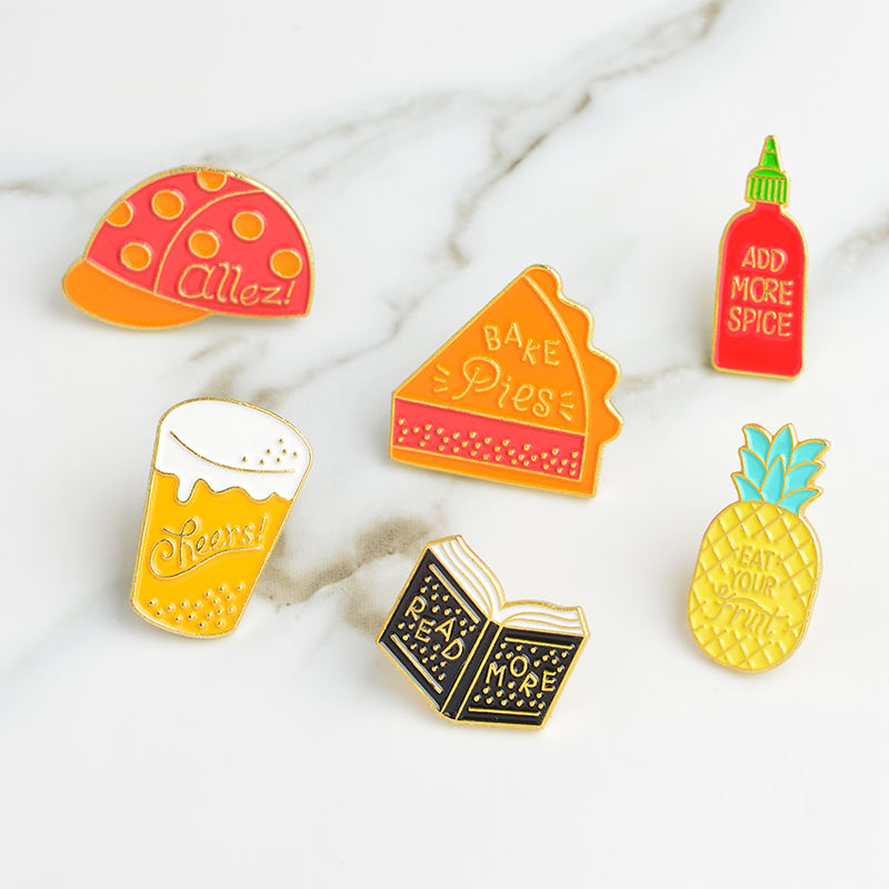 6 stks/set Hoed Bier LEES MEER Boek Spice BAKKEN Taarten Ananas Pins Badge Cartoon Broche voor Shirt Denim Jeans