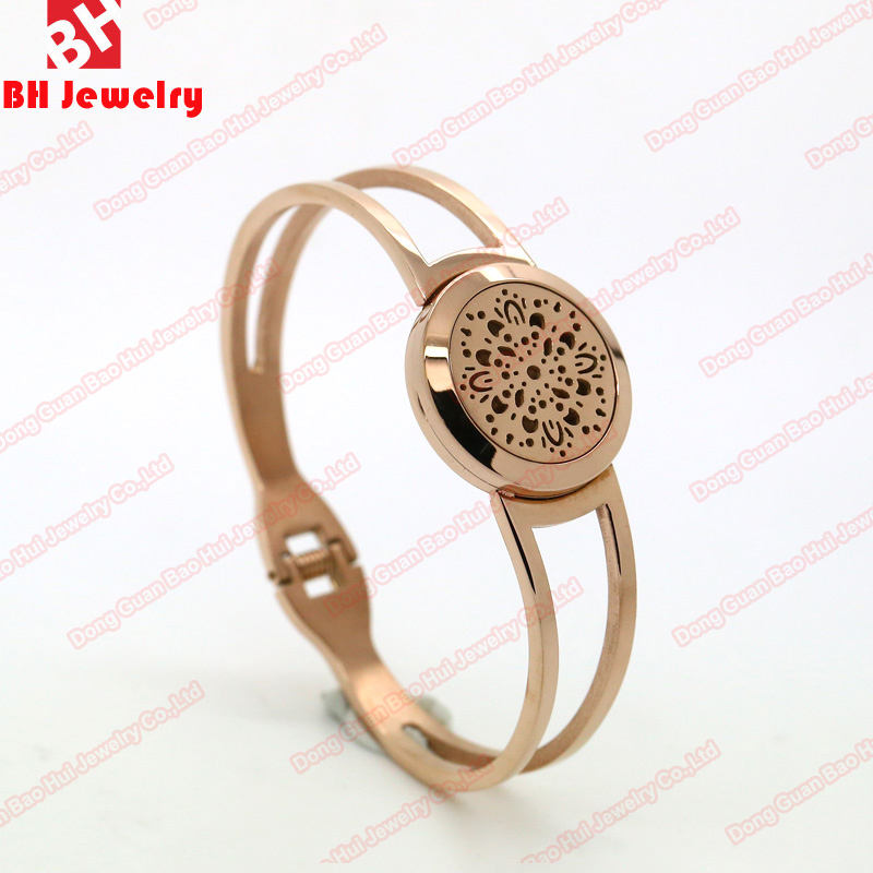 The Latest design with high quality and competitive price bracelet for women luxury