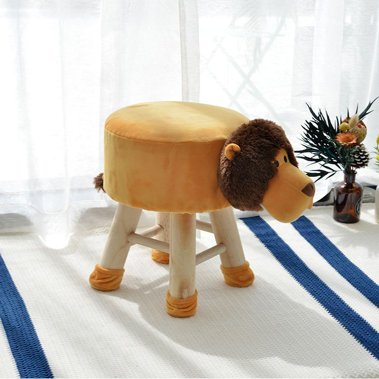 China wood step stool Children Furniture Cute Wooden lion animal stool animal ottoman