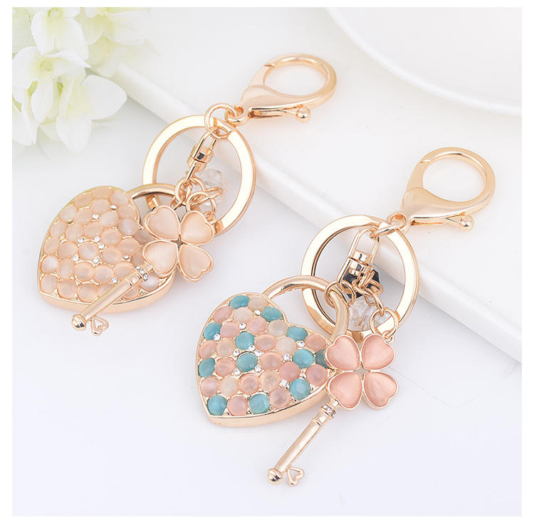 New Exquisite Opal Stone Love Heart Four-leaf Clover Key Chain Bag Pendant Wholesale Keychains