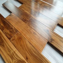 Natural color prefinished Asian small leaf acacia solid wood flooring