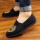 Cheap hot sale men's old beijing chinese style vintage kungfu embroidered tiger slip-on men's casual cotton black cloth shoes