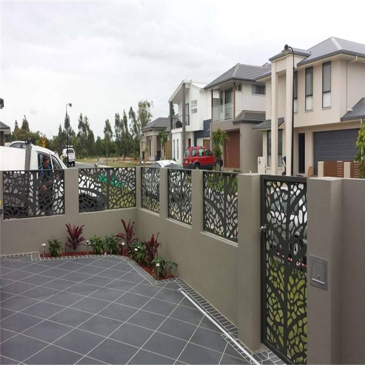 High quality wrought iron garden metal fencing/galvanized wrought iron fence panels