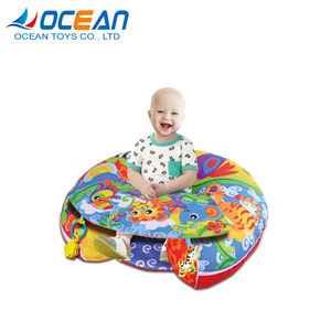 New born portable soft cotton bed baby game carpet with plastic rattle