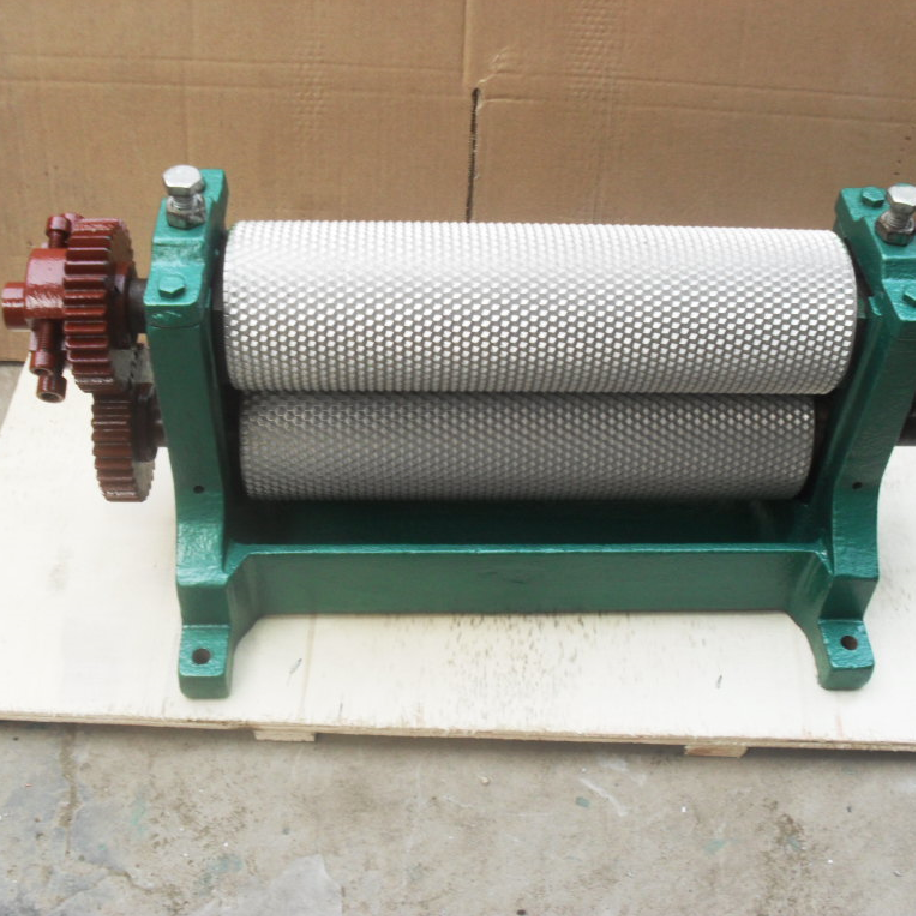Beeswax foundation sheet making roller machine