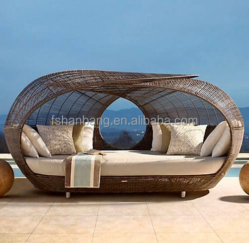 Latest Modern Designer Outdoor Rattan/Wicker Stylish Garden Patio Day Bed/Pool with hard rattan top cover