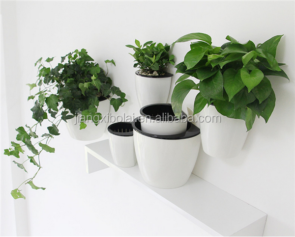Plastic Semicircular half round flower pot plastic plates Hanging on The Wall