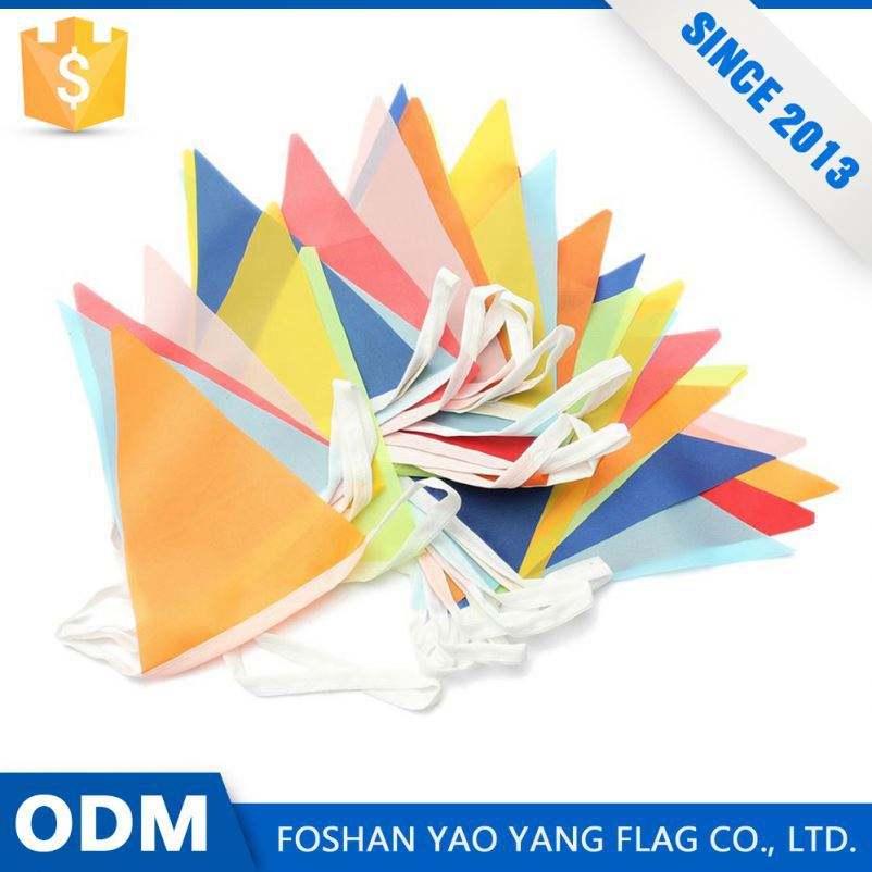 Tienda en línea de Alibaba Mejores Ventas de Encargo 100% Poliéster Triángulo Colgar <span class=keywords><strong>La</strong></span> Bandera