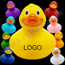 Leewing New Product Plastic PVC Vinyl Bath Toy for Fundraising Muti-color Baby Toys Weighted Floating Custom Race Rubber Duck
