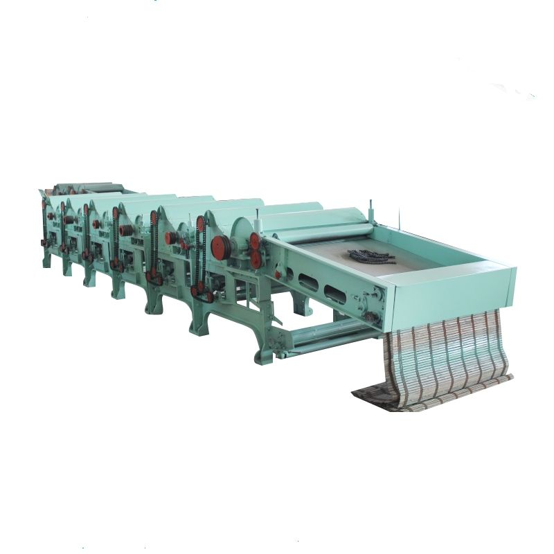 Automatic-feeding cotton waste recycling machine