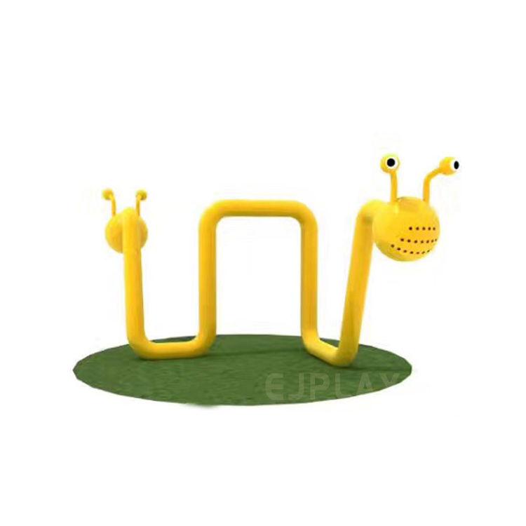 Tipo oruga conjunto de juegos al aire libre equipos de la instalación en el <span class=keywords><strong>parque</strong></span> de atracciones