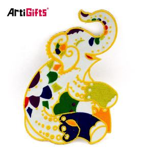 Custom cheap back hand stitching gifts set embroidery animal patch for heat transfer