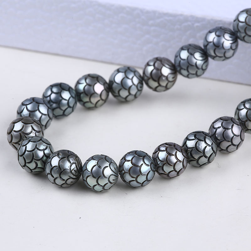 Wholesale peacock black Tahitian Pearl Bead Carved Pearl with 18K Fitting