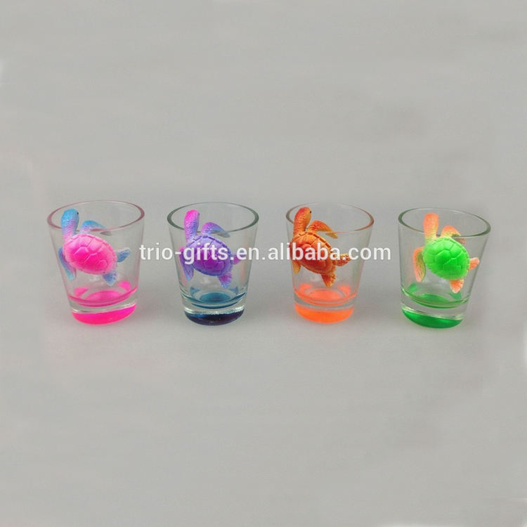 Souvenir tourist polyresin turtle shot glass for decoration