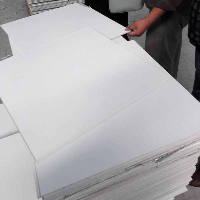 軽量石膏4 × 8天井パネル
