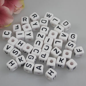 Hot Sale 10mm Cube White Mixed Letters Acrylic Alphabet Beads