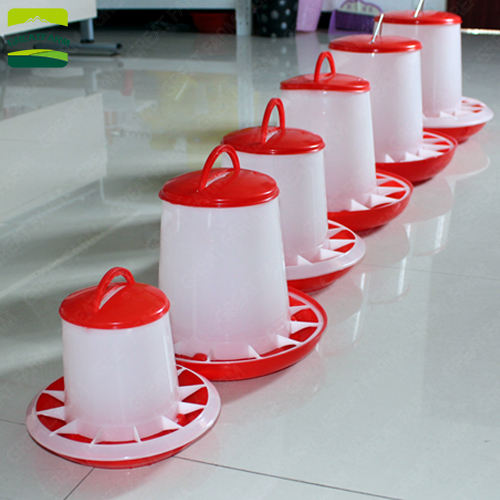 Hot sale plastic drinker and feeder pan / poultry feeder 2020