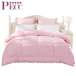 Polyester/Cotton Thick Promotional Microfiber Pink Comforters