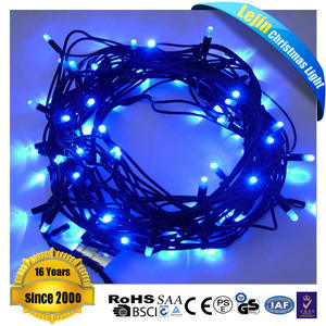 Walmart levou ao ar livre luzes da corda para decoração de natal