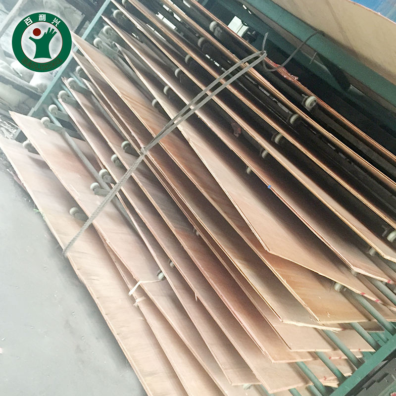 18mm Strong and durable film faced plywood