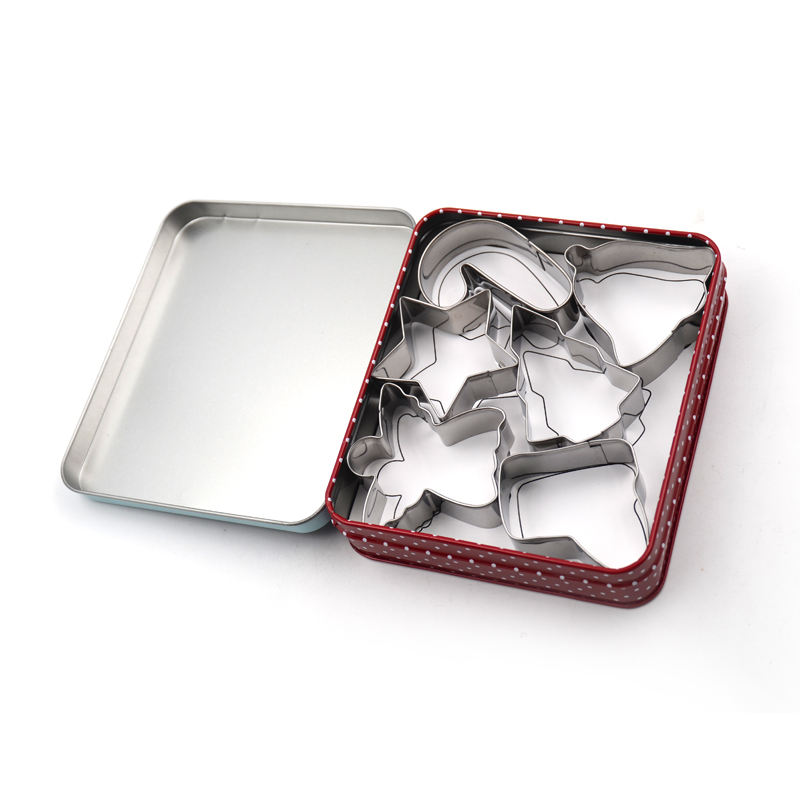 Christmas Theme 6 pcs Packed in Tinbox Metal Stainless Steel Cookie Cutter Mold