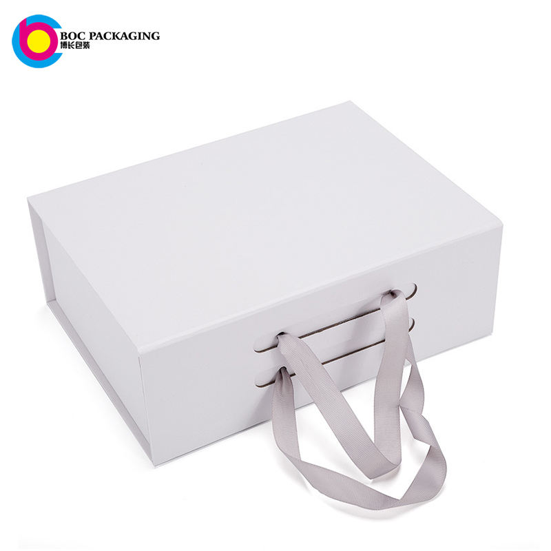 custom magnetic closure matte white foldable paper packaging boxes for bag